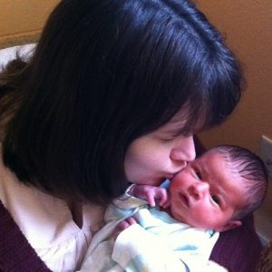kiss newborn ekwetzel
