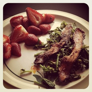 Steamed Kale Raab (with garlic & drizzled bacon fat), Bacon & Sliced Strawberries